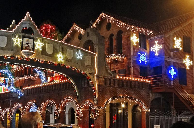 wwwflickrcom - Mission Inn Christmas