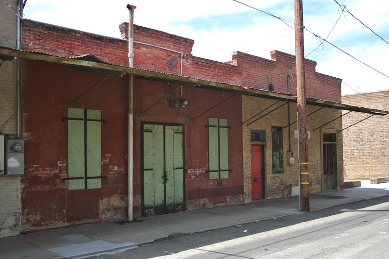 Buildings sit empty on Hanford's historic China Alley