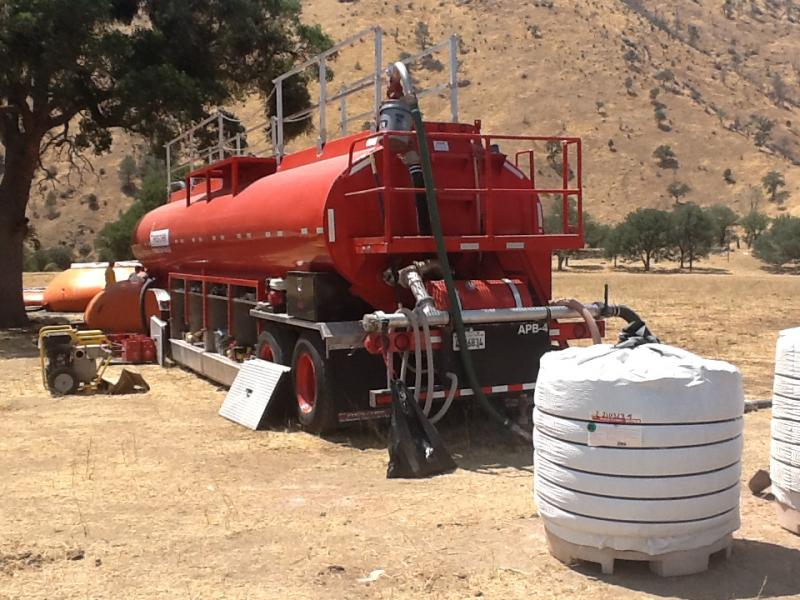 A portable mixing tank for fire retardant helped firefighters battle the Piute Complex fire.