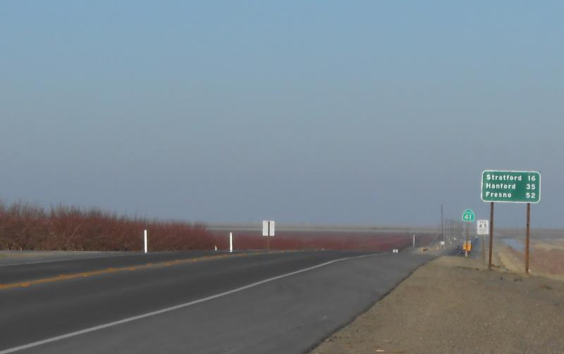 State Route 41, which runs through Kettleman City, connects the San Joaquin Valley and the Central Coast.