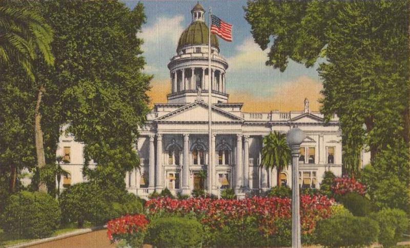 A postcard from the early 20th century depicts the Fresno County Courthouse which was demolished in 1966