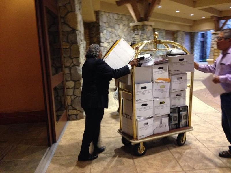 Member of a rival faction of the Chukchansi Tribe attempted to take boxes out of the casino but were stopped by Madera County Sheriff's Deputies.