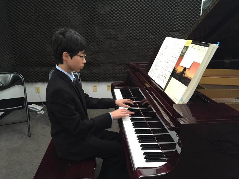 Pianist Isaac Kim