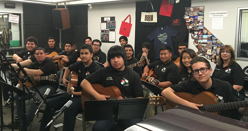 Lindsay High School Guitar program