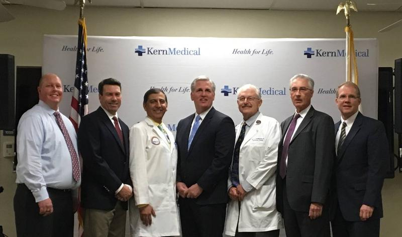 Congressman Kevin McCarthy poses with members of the Kern Medical staff to announce to the new clinical trial.
