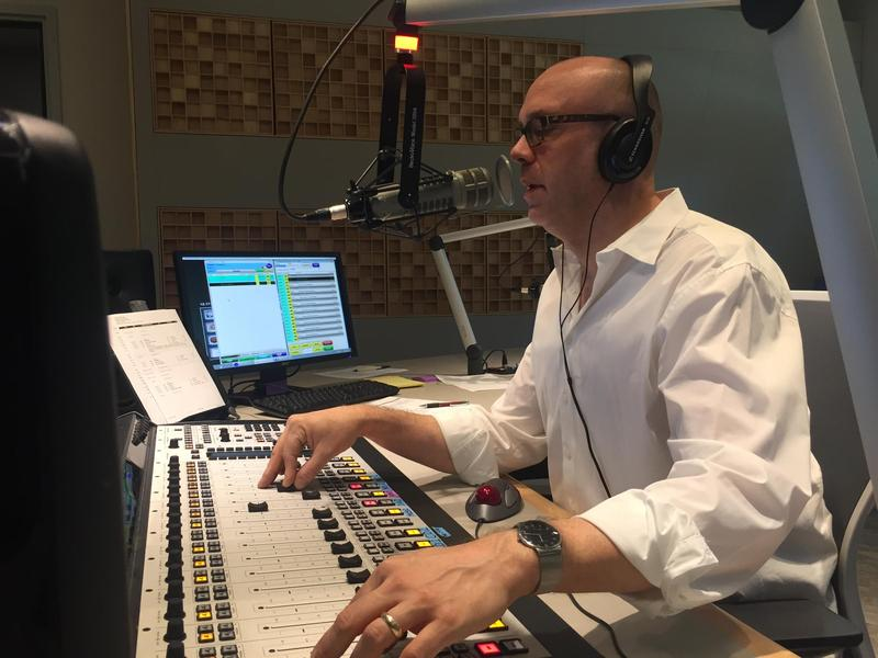 David Aus hosts Sunday Night Jazz on FM89