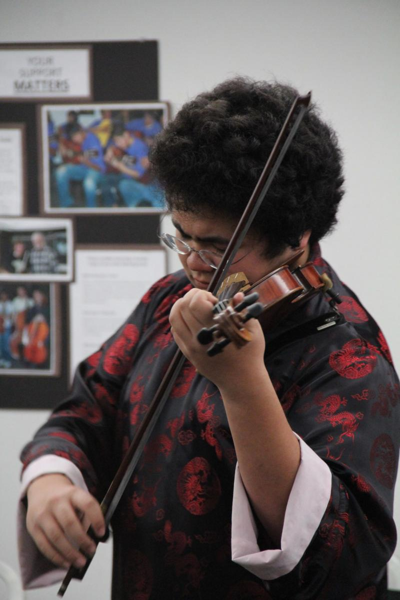 Bakersfield violinist Samuel Lang performs live in-studio at Valley Public Radio