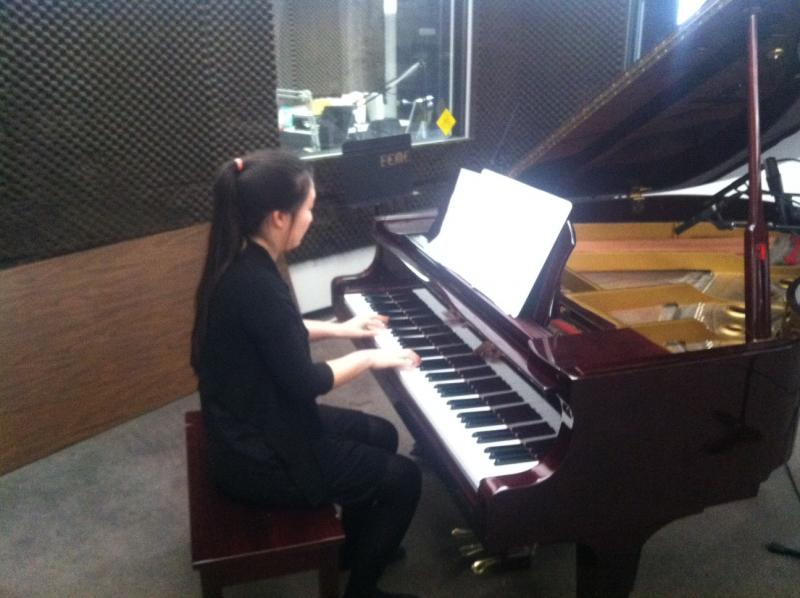 Alice Lee performs on Young Artists Spotlight