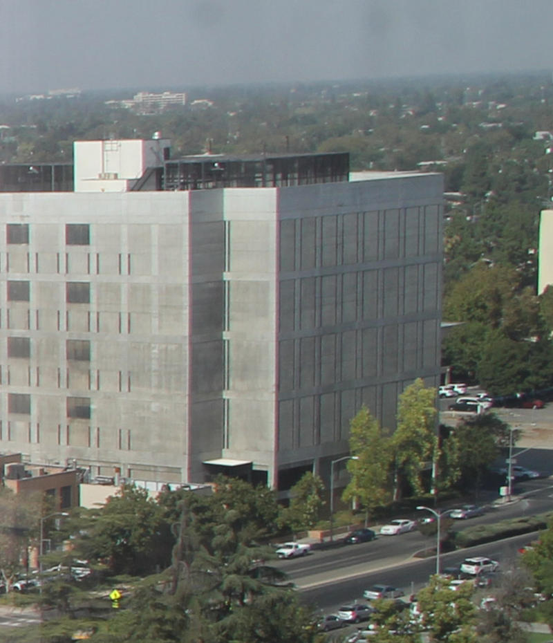 The existing main Fresno County Jail in downtown Fresno (file)