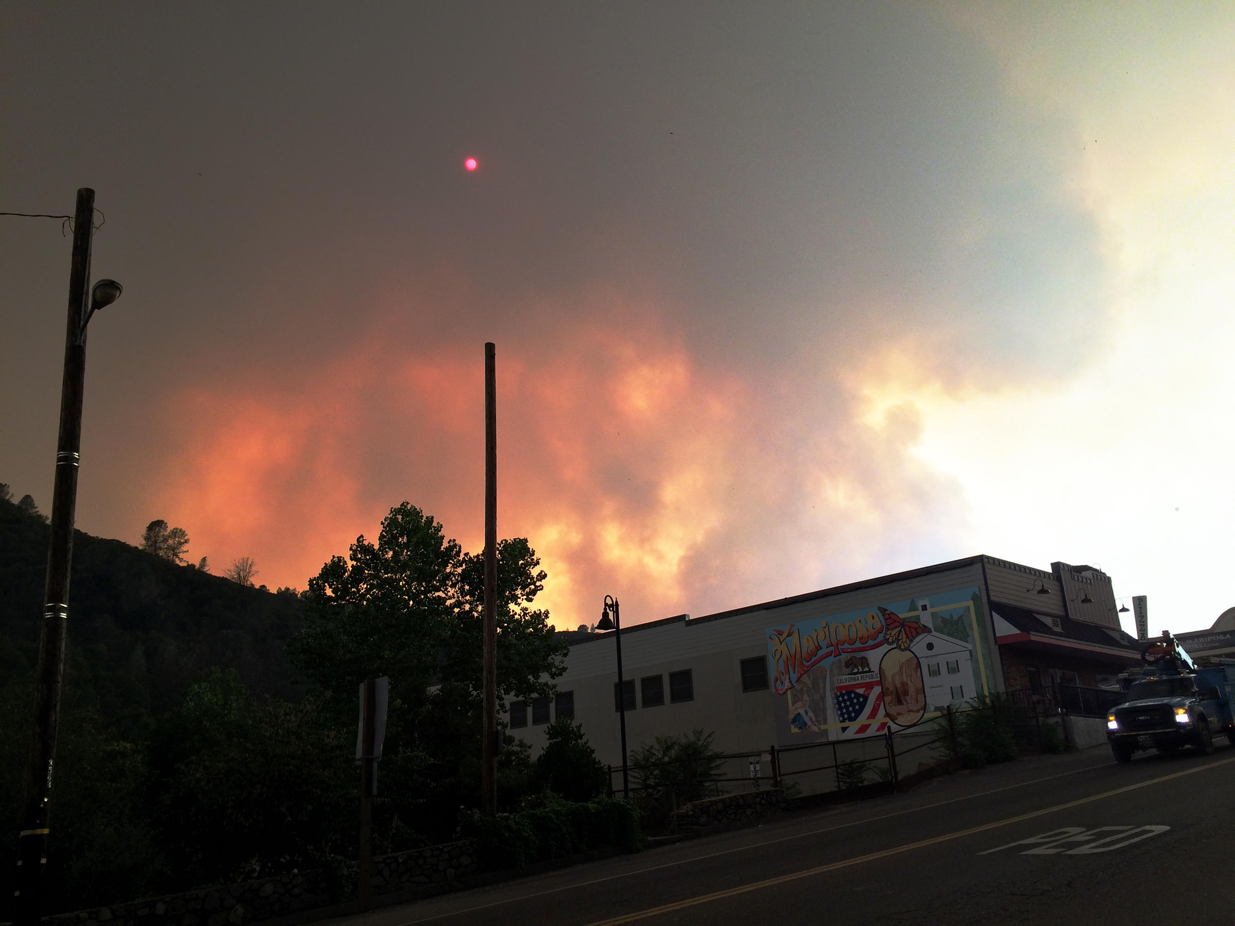 Coulterville evacuated from Mariposa wildfire