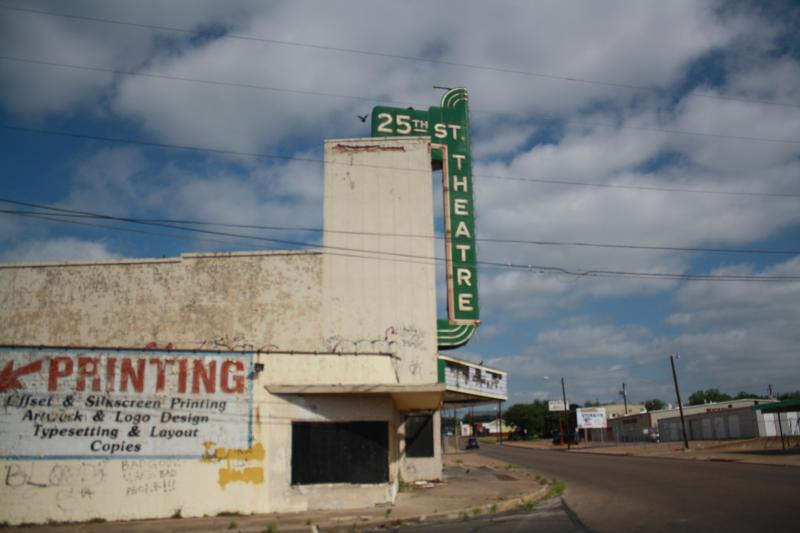 The 25th Street Theatre has been abandoned since 1992, when it closed down as a dance club.