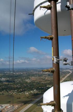 The KWGS & KWTU antenna, 1000' in the air in Coweta, looking toward Tulsa