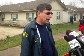 The NTSB's Craig Hatch briefs reporters at the crash scene.