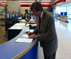 Mayor Dewey Bartlett files candidacy papers to run for a second term