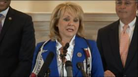 Governor Fallin announces budget agreement to state capitol reporters.