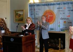 Governor Fallin announces the food drive goal at the State Capitol