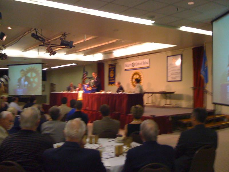 George Kaiser speaks to the Tulsa Rotary Club in the summer of 2009.