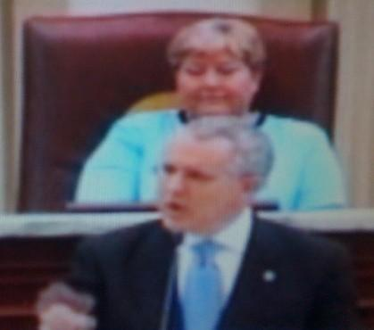 Governor Henry addressed the legislature as Lt-Governor Jari Askins watches.