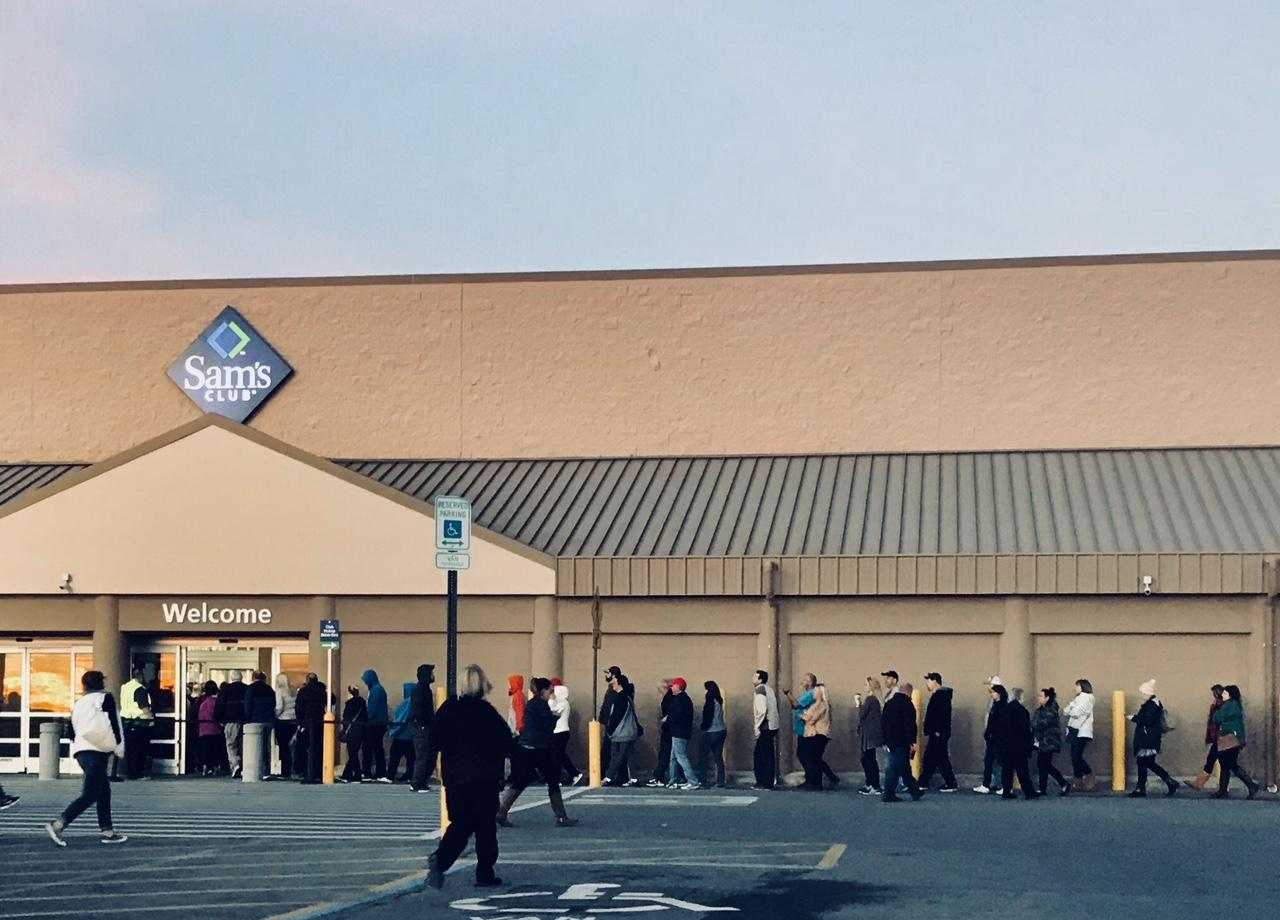 Local, Out-Of-State Shoppers Hit The Mall On Black Friday