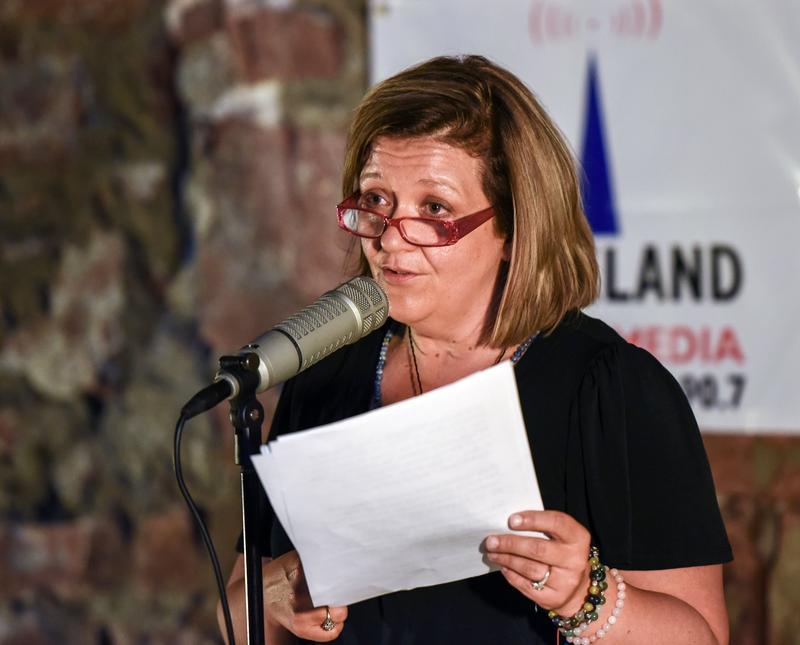 Pam Muniz