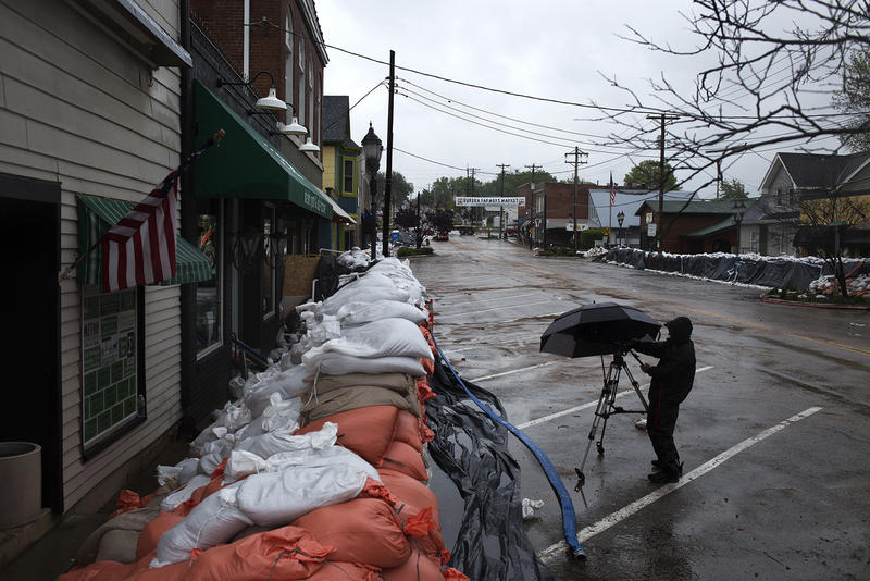 Ongoing rain and the threat of more flooding kept downtown Eureka business owners from removing piles of sandbags Thursday morning, as planned. (May 4, 2017)