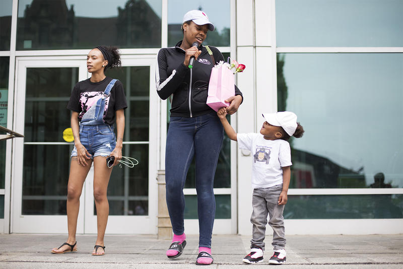 Whitney Gipson thanks supporters outside the St. Louis City Justice Center. Gipson is one of three women bailed out of jail by Expect Us activists ahead of Mother's Day. (May 12, 2018)