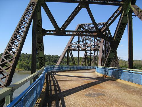 The Chain of Rocks Bridge in north St. Louis (photo by Creative Commons user ChrisYunker)