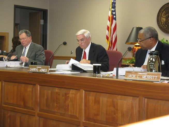 (l-r) Mo. Gaming Commissioners Noel Shull, James Mathewson (chair), Darryl Jones.