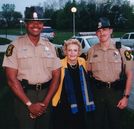 Lura Lynn Ryan, the former governor's ailing wife, with Illinois State Police troopers in 2007. (via Flickr/spsarge)