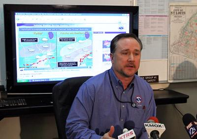 Jim Kramper from the National Weather Service explains the dangers of the expected blizzard expected to hit the St. Louis region on Jan. 31, 2011.(UPI/Bill Greenblatt)
