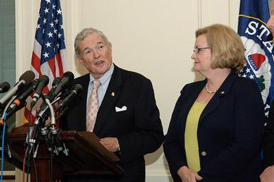 Kit Bond with U.S. Senator Claire McCaskill in May 2010. Bond announced his move to St. Louis lawfirm Thompson Coburn today, his next step after retiring from the U.S. Senate. (UPI/Bill Greenblatt)