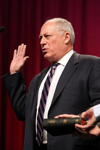 Illinois Governor Pat Quinn, Jr. takes the oath of office during inauguration ceremonies at the Prairie Capitol Convention Center in Springfield, Illinois on January 10, 2011. (UPI/Bill Greenblatt)