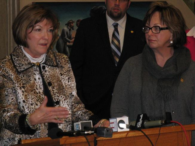 (l-r) State Representatives Sue Allen (R, Town and Country) and Sara Lampe (D, Springfield) tout their respective anti-bullying bills.