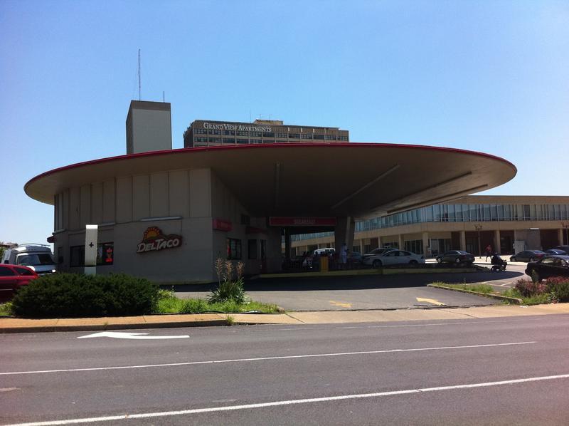 Del Taco, Grand Boulevard