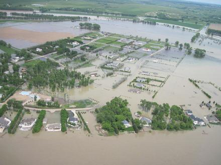 Aerial views of the Missouri River in the Bismarck-Mandan, North Dakota area June 8, 2011. The upstream Garrison Dam was releasing water into the Missouri River at a flow of 140,000 cubic feet per second.
