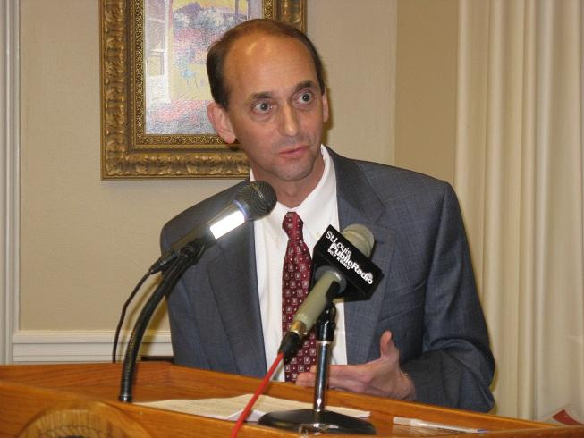 Mo. Auditor Tom Schweich (R) addresses reporters in his State Capitol office regarding proposed legislation that would give his office complete access to bank exam records.