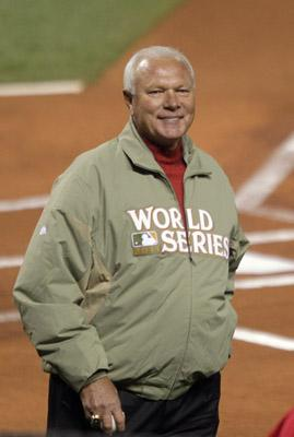 Former St. Louis Cardinals pitcher Bob Forsch, shown in this October 28, 2011 file photo, is dead at age 61on Nov. 3, 2011. Forsch threw out the first pitch before Game 7 of the World Series just one week ago.
