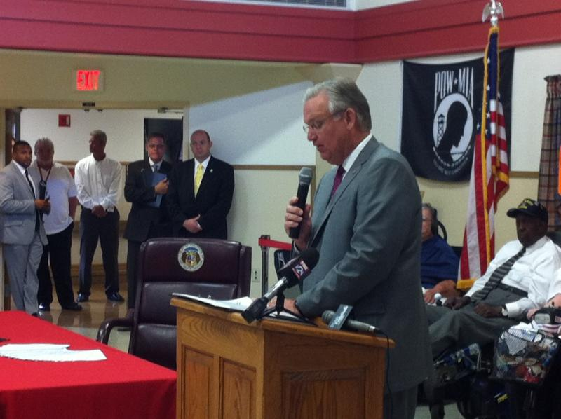 Gov. Nixon addresses nursing home residents