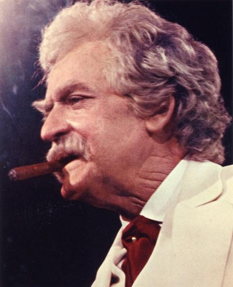 "Hal Holbrook portrays Mark Twain in ""Mark Twain Tonight"""