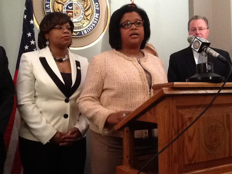 iPad photo of (l-r) State Senators Jamilah Nasheed (D, St. Louis) and Maria Chappelle-Nadal (D, University City).  Chappelle-Nadal is sponsoring SB 124.  Nasheed and other lawmakers attended the news conference announcing the bill.