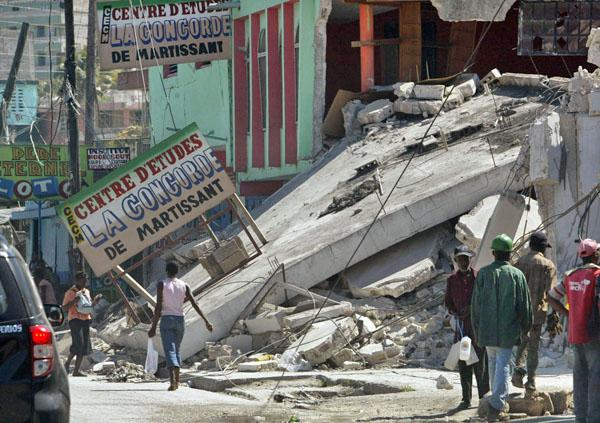 St. Louis Post-Dispatch coverage of the devastation caused by an earthquake in Haiti (2010)