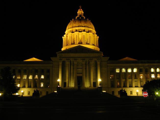 Mo. Capitol at night