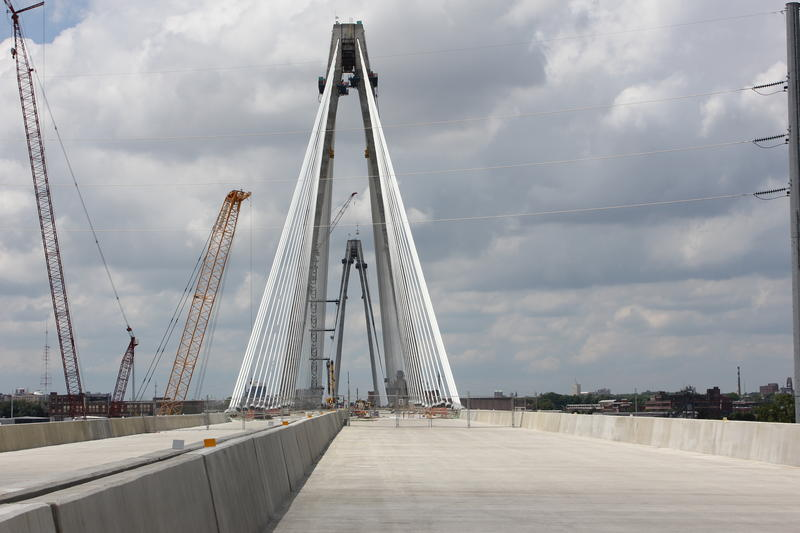 The Stan Musial Veterans Memorial Bridge will connect Missouri and Illinois. President Barack Obama signed off on the name of the bridge, which honors St. Louis Cardinals baseball player and veteran Stan Musial.