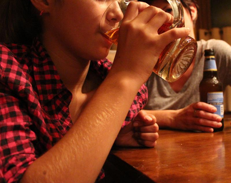 Young women who average a drink per day have a 13 percent higher risk of developing breast cancer than non-drinkers, according to researchers at Wash U.