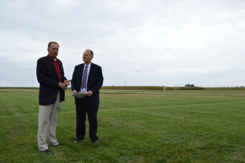 Rep. Bill Enyart (right) with his agriculture advisor, Mike Campbell.