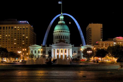A view of the Arch at night.
