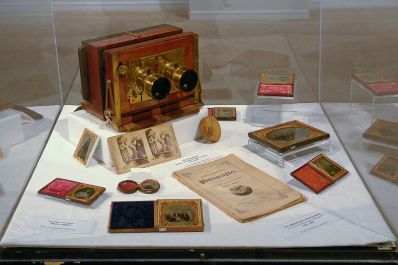 A display on stereo cameras, which could capture three-dimensional images.