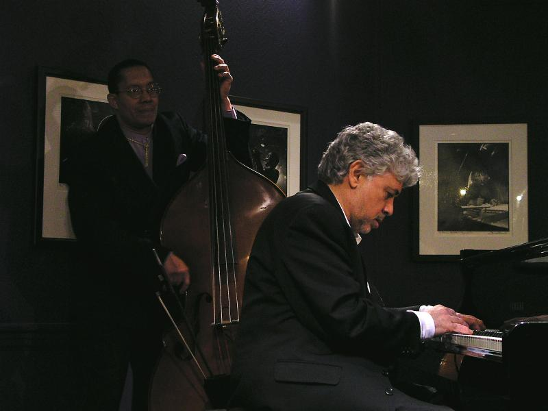 Hassan Shakur (b) Monty Alexander (p)-2004