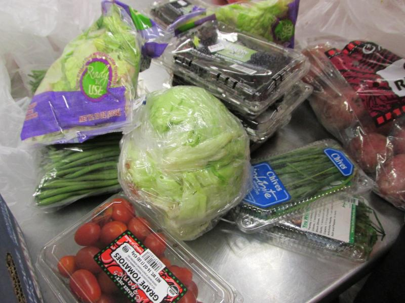 Students turn food that would be thrown away into nourishing meals for elderly or disabled residents who live in neighboring high-rises.