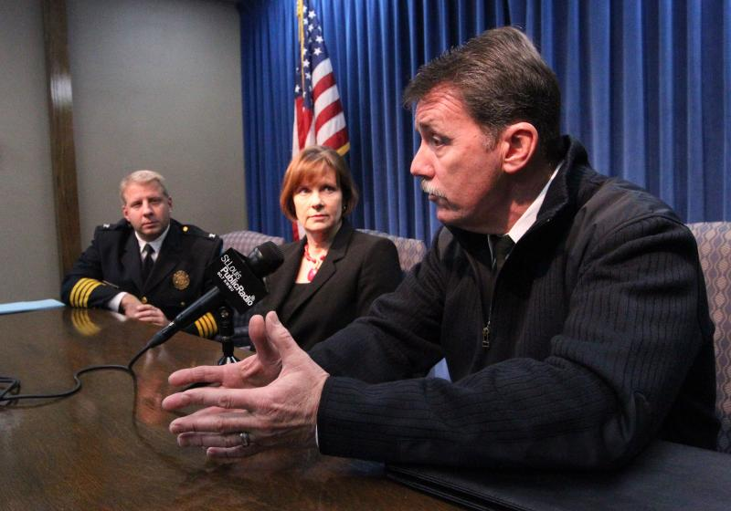 "St. Louis Police Chief Sam Dotson (L) and St. Louis Circut Attorney Jennifer Joyce look on as St. Louis Fire Chief Dennis Jenkerson talks to reporters about the city's ""no refusal"" policy with drunk drivers. Prosecutors will now seek warrants to draw bloo"